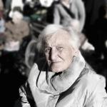 Prioridade especial para idoso acima de 80 anos.