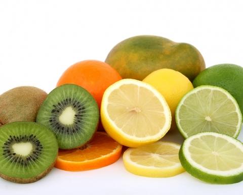 Terceira Idade e história da nutrição com Vitamina C.